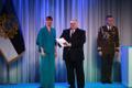 President Kersti Kaljulaid andis üle riiklikud teenetemärgid. Enn Lust – Tartu Ülikooli füüsikalise keemia professor ja üks vesinikutehnoloogiate kasutuselevõtu eestkõnelejatest energeetikas.