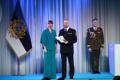 President Kersti Kaljulaid andis üle riiklikud teenetemärgid. Margo Klaos – päästeametnik ja laiapindse riigikaitse edendaja, kelle juhtimisel on välja töötatud elanikkonnakaitse arusaam.