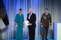 President Kersti Kaljulaid andis üle riiklikud teenetemärgid. Paavo Kivine – spordiajakirjanik ja kirjastaja, ausa spordi eestkõneleja