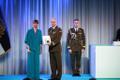 President Kersti Kaljulaid andis üle riiklikud teenetemärgid. Aron Kalmus – tegevväelane, kes on andnud märkimisväärse panuse Eesti sõjalise kaitsevõime arengusse.