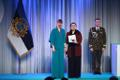 President Kersti Kaljulaid andis üle riiklikud teenetemärgid. Ljubov Agapova – näitleja Vene Teatris ja lasteteatri eestvedaja.