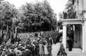 Vabariigi presidendi Konstantin Pätsi ilmumine rõdule tõi alguses esile käteplagina. Kuid seda polnud kauaks, sest presidendi ettepanek, et meeleavaldajad esitaksid eestkõneleja kaudu oma nõudmised, millele ta võiks vastata, lükati kärarikkalt tagasi.