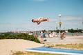 Sportvõimlejad palaval päeval Stroomi rannas