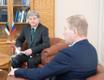 Посол РФ в Эстонии Александр Петров и председатель комиссии по иностранным делам Рийгикогу Марко Михкельсон.