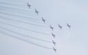 Авиашоу Red Arrows в небе над Таллиннским заливом.