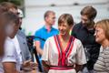 President Kersti Kaljulaid vaktsineerimiskiirabiga tutvumas