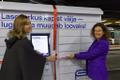 Национальная библиотека открыла книжный шкаф в автобусном терминале в Таллинне.