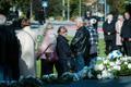 Mälestusteenistus Estonia mälestusmärgi juures