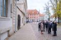 President Alar Karis esimesel välisvisiidil Riias, tema kõrval Eesti saadik Lätis Arti Hilpus