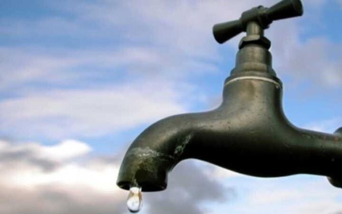 Первые две недели без воды плавно перешли в два месяца, для людей отсутствие воды в кране стало обыденностью.