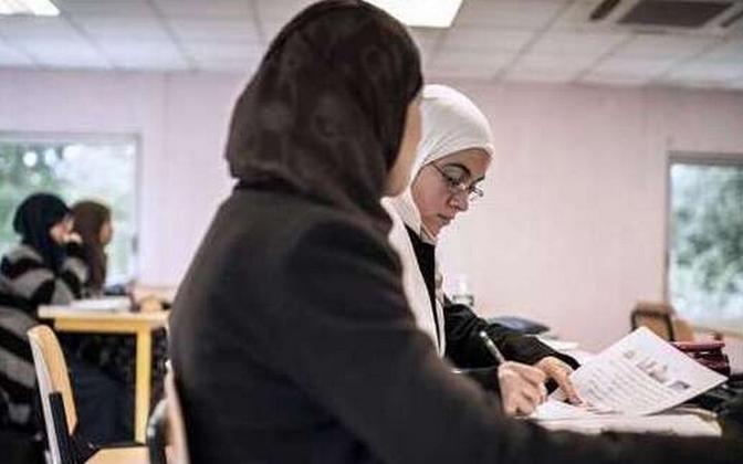 Koraani õppivad moslemid Prantsusmaa koolis.