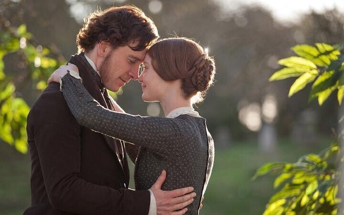 Mia Wasikowska ja Michael Fassbender Emily Brontë raamatu põhjal tehtud linateoses