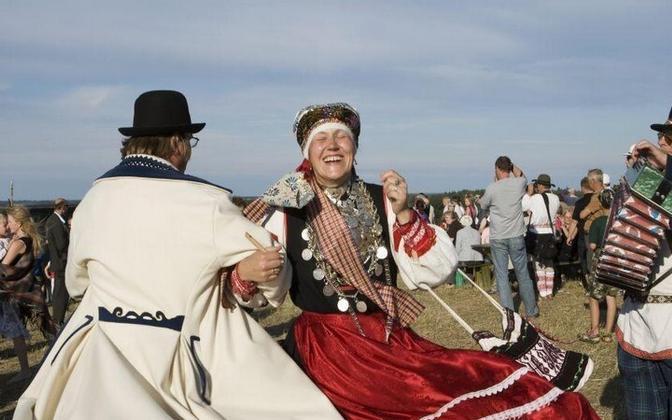 Setu murde kõnelejaid on Eestis 12 531, mis moodustab eesti keelt emakeelena kõnelejatest 1,4 protsenti.