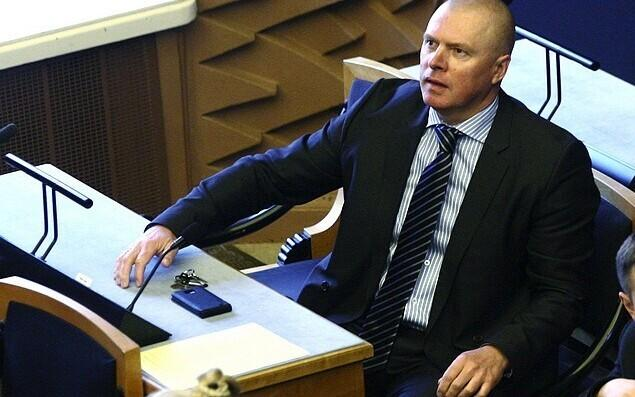 MP Kalle Laanet (Reform) spoke on behalf of the initiators of the bill.