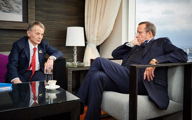 President Toomas Hendrik Ilves ja krimmitatarlaste liider Mustafa Džemilev