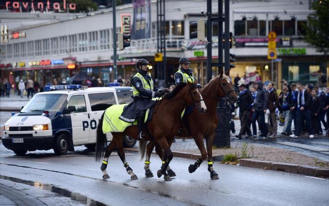 Soome ratsapolitseinikud Helsingis