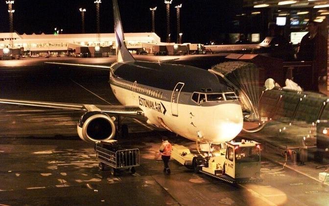 Estonian Air's Boeing 737-500 at Stockholm Arlanda Airport in 1999
