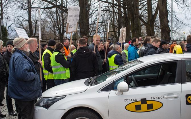 A bona fide Tulika taxi at an anti-Uber rally in 2016.