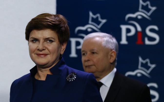Peaminister Beata Szydlo ja võimupartei juht Jaroslaw Kaczynski.
