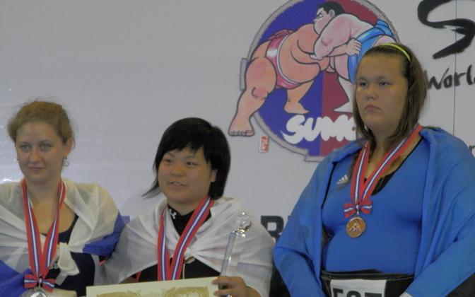 Pildil vasakult: Anastasia Nikitina, Sarina Yamashita ja Kai Pähkel