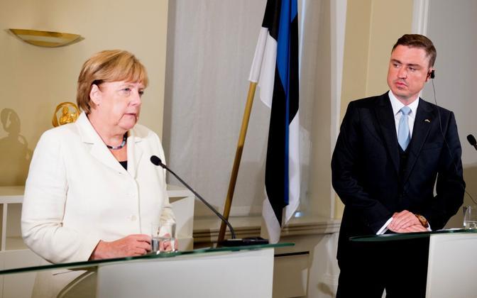 Chancellor Angela Merkel with Prime Minister Taavi Rõivas in Tallinn. Aug. 24, 2016.