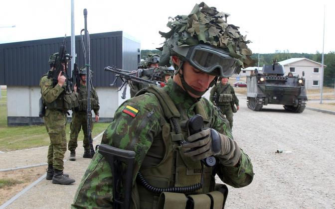 Leedu sõdurid õppusel.