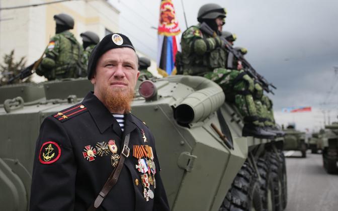 Kremli-meelne võitleja Arseni Pavlov ehk Motorola 2015. aasta 9. mai paraadil Donetskis.