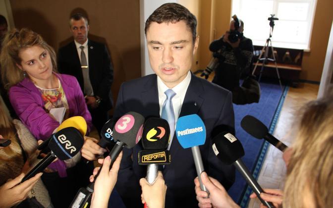 Ceci n'est pas un coup d'état: Prime Minister Taavi Rõivas lost his coalition partners. He was not deposed