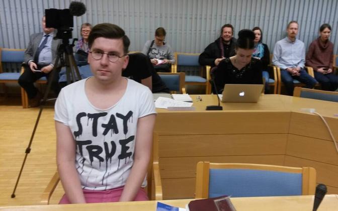 Põlissoomlaste poliitik Sebastian Tynkkynen 11. jaanuaril Oulu kohtusaalis.
