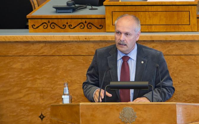 EKRE's Henn Põlluaas, speaking at the XIII Riigikogu.