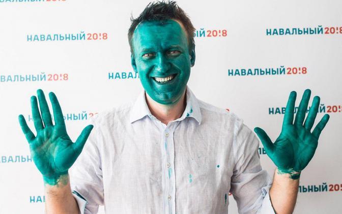 Navalnõi viis provokaatori töö lõpule ja värvis end briljantrohelisega ka ise.