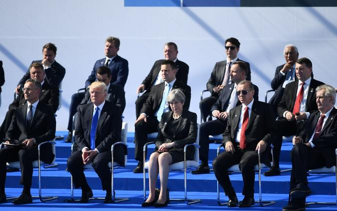Prime Minister Jüri Ratas sat behind U.S. President Donald Trump in the NATO leaders group photo. May 25, 2017.
