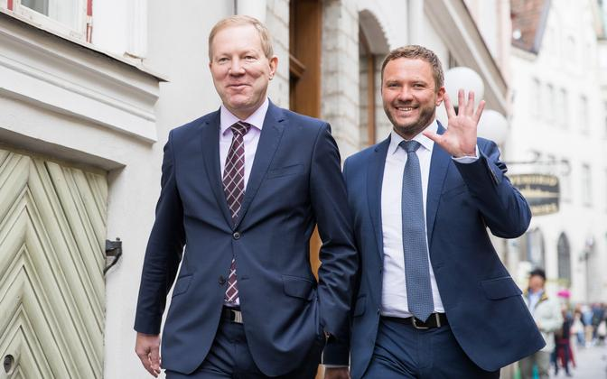 Marko Mihkelson ja Margus Tsahkna 26. juunil IRL-ist lahkumisest teatades.