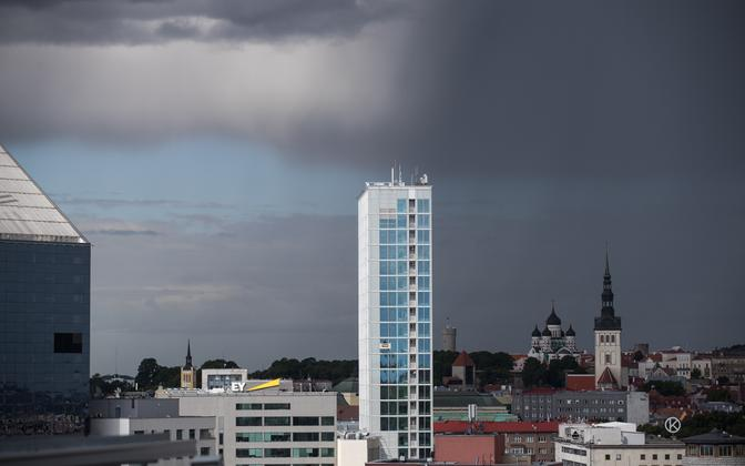 На Эстонию надвигается гроза.