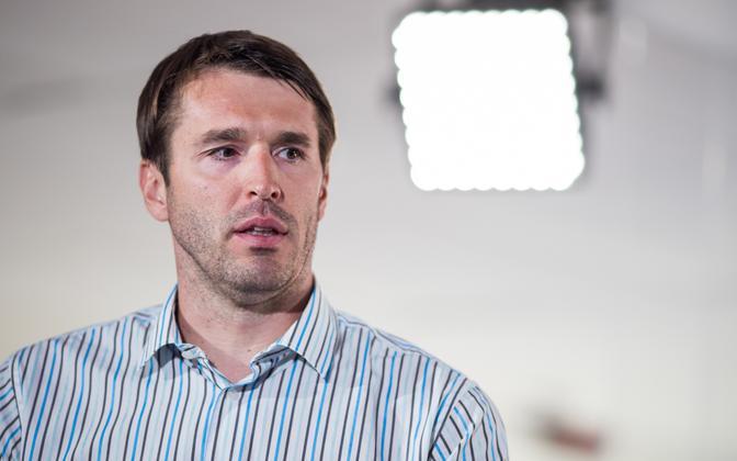 MP Rainer Vakra (SDE).