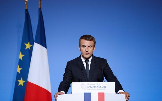 Prantsusmaa president Emmanuel Macron 29. augustil Élysée palees suursaadikutele kõnet pidamas.