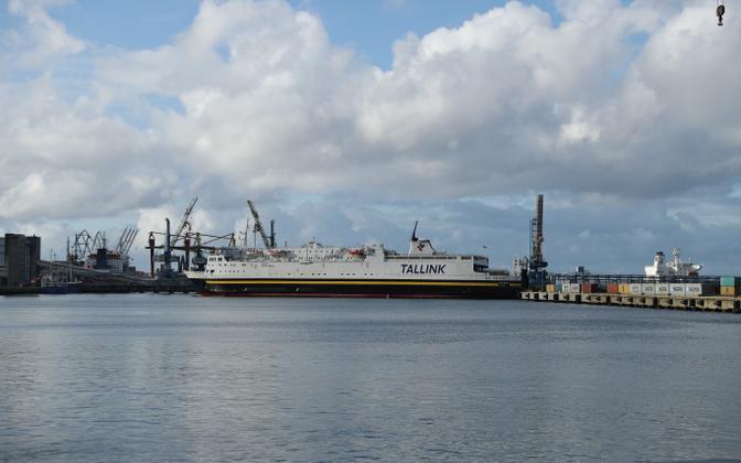 Tallinki laev Muuga sadamas.