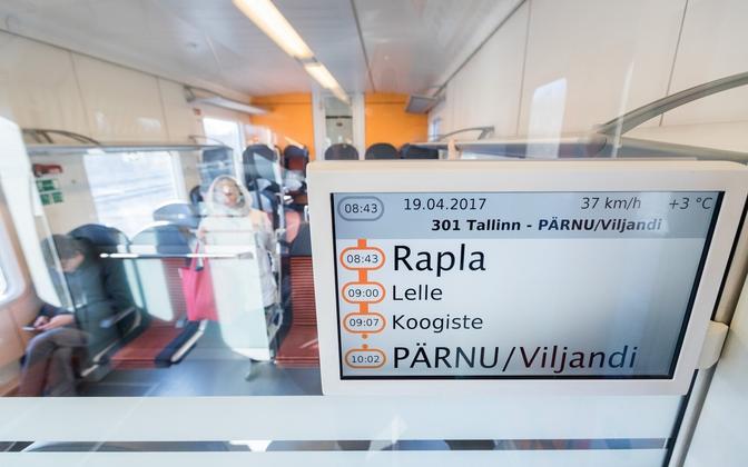 В поезде Таллинн-Пярну.