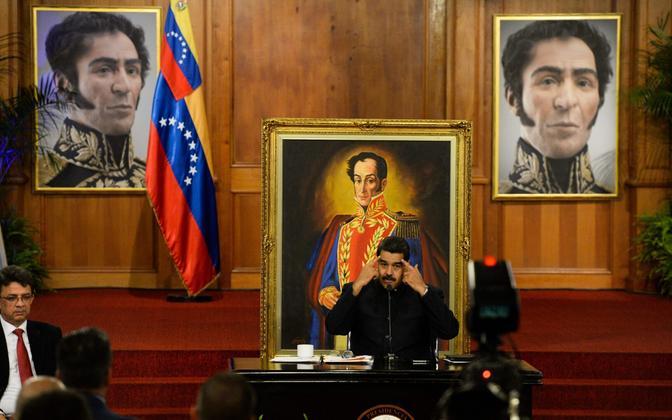 Venezuela president Nicolas Maduro presidendipalees Caracases.