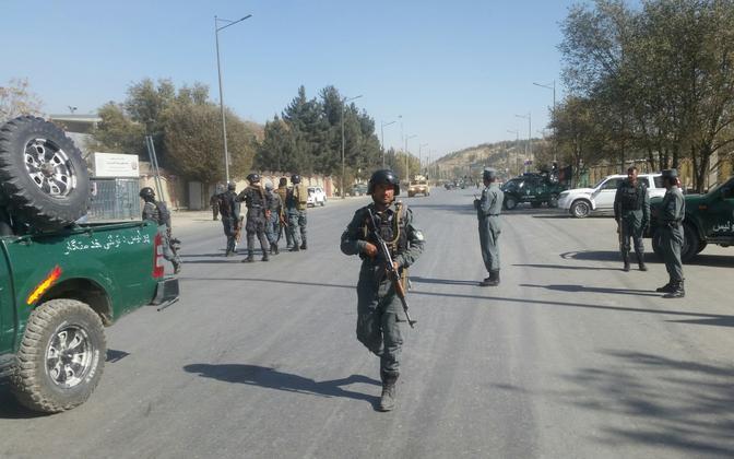 Afganistani võimuesindajad Shamshad TV lähistel 7. novembril.