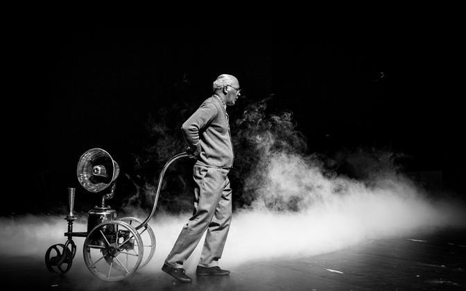 René Soomi kehastatud Lennart Meri lavastuses