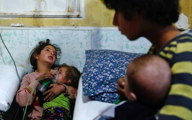 Keemiarünnakust mõjutatud lapsed Douma linnas Ida-Ghouta piirkonnas 22. jaanuaril.