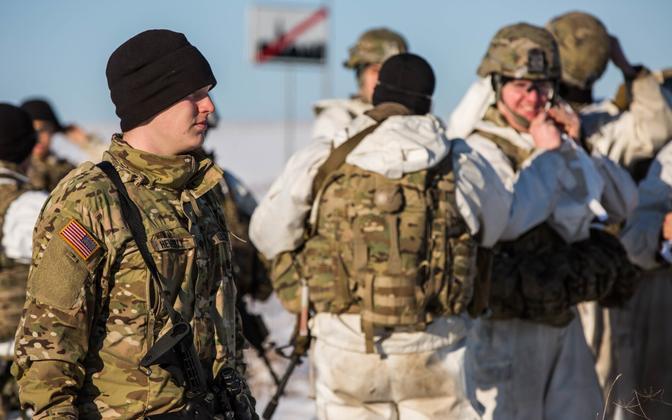 Eesti ja USA sõdurid 2017. aastal veebruaris Kirde-Eestis talveretkel.