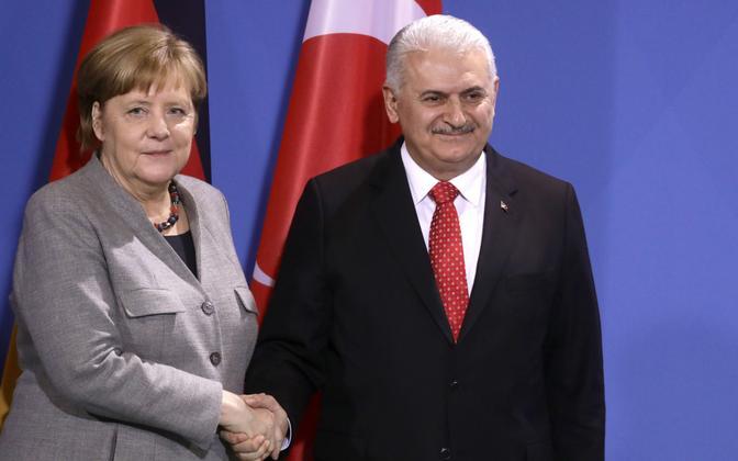 Saksa kantsler Angela Merkel ja Türgi peaminister Binali Yıldırım.