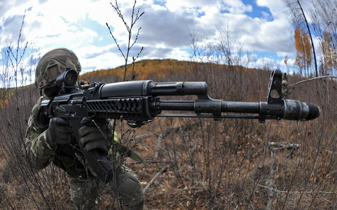 Kalashnikovi automaat Venemaa sõjaväeõppusel, arhiivifoto.