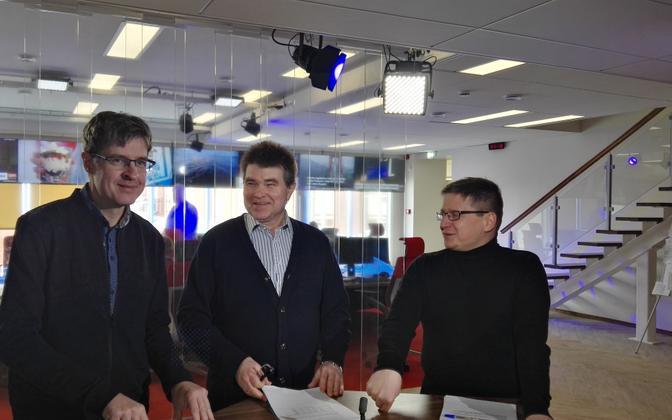 Индрек Кийзлер, Юхан Кивиряхк и Урмет Коок в новостной студии ERR.