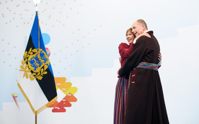 Presidendipaari kallistus