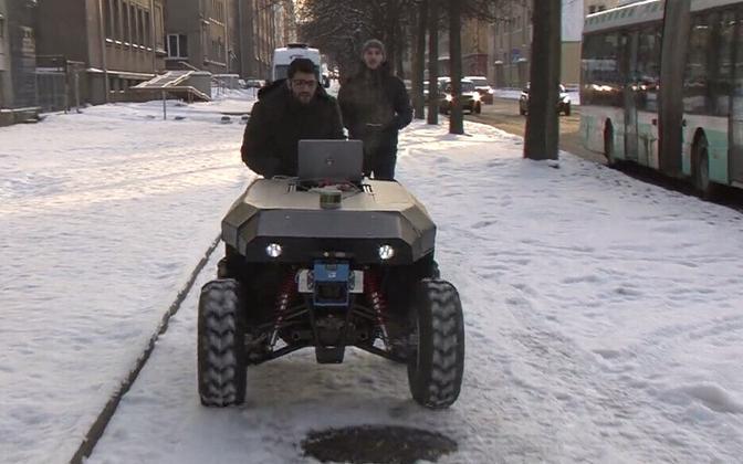 Tallinna tehnikaülikooli isejuhtiv auto.