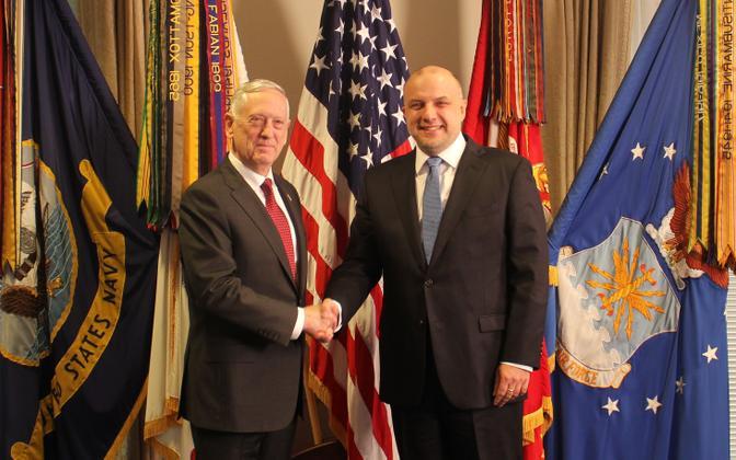 Kaitseminister Jüri Luik kohtus Washingtonis USA kaitseministri James Mattisega.