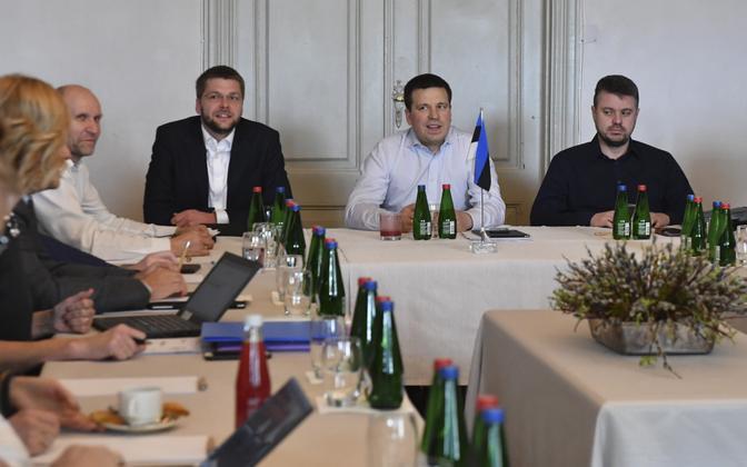 Helir-Valdor Seeder (Pro Patria), Jevgeni Ossinovski (SDE), Jüri Ratas (Centre) and Urmas Reinsalu (Pro Patria).